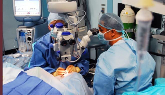 Foto: Operaţii de cataractă de doar câteva minute şi fără suturi
