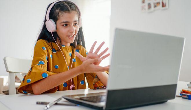 Părinţii nu vor teste COVID în şcoli, fără acordul lor, şi cer reluarea cursurilor faţă în faţă - fondparintiinuvor1-1618852171.jpg