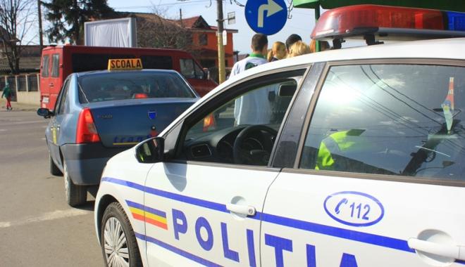 Foto: Big Brother în maşinile de şcoală. Proba practică pentru permis se filmează  la Constanţa