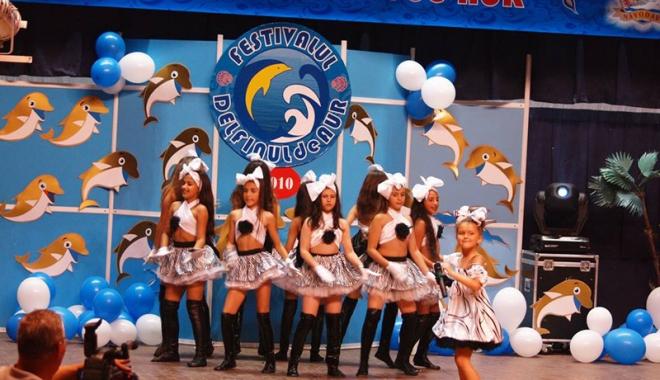 """Foto: Peste 70 de tineri interpreţi vor urca pe scena Festivalului """"Delfinul  de aur"""""""