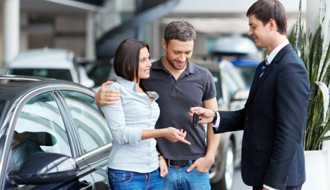 Foto: Câte maşini şi-au cumpărat românii anul acesta şi care sunt modelele preferate