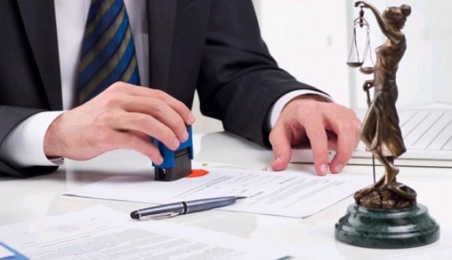 Foto: Poate notarul să refuze legalizarea unui act valabil?