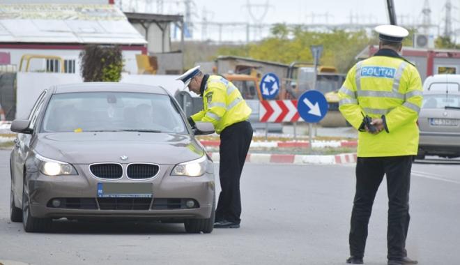 Foto: Cine îi apără pe poliţişti? Om al legii lovit intenţionat cu maşina. Agresorul e liber şi îl dă în judecată pe poliţist