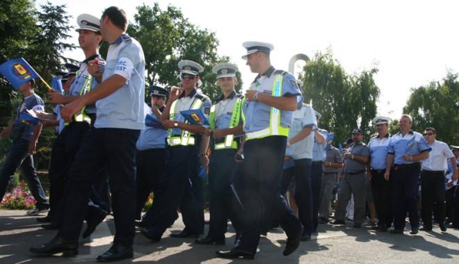 Foto: Poliţiştii din Constanţa, supăraţi că vin în timpul liber la muncă