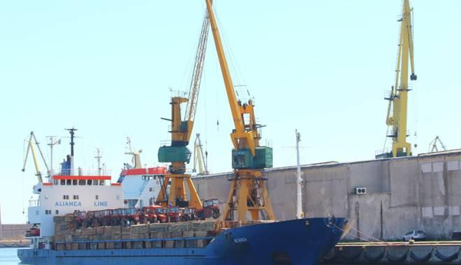 Foto: La Agigea sau la Constanţa?  Unde îşi plătesc impozitele firmele  din Portul Constanţa Sud - Agigea