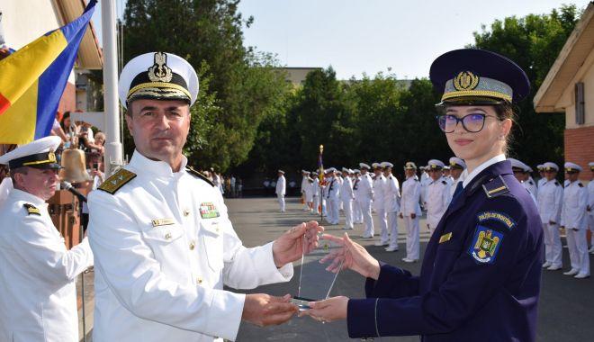 Premieră la Şcoala de Maiştri Militari. O fată în fruntea promoţiei 2021 - fondpremieralascoala1print-1627662453.jpg