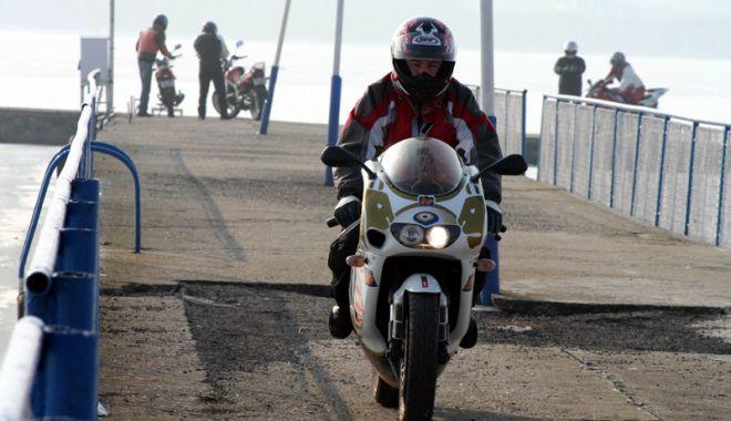 Foto: Motoare turate la maximum. Cine face legea la Constanţa, Poliţia sau motocicliştii?