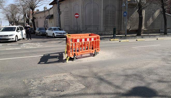 Cursă cu obstacole. Capacele de canalizare, pericolul de pe străzile Constanței - fondprintcapacecanalizare12-1615737248.jpg