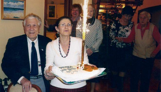 O viață cât un veac! Decanul de vârstă al marinarilor militari a împlinit 102 ani! - fondprintcaragea102anisursaforte-1610985456.jpg
