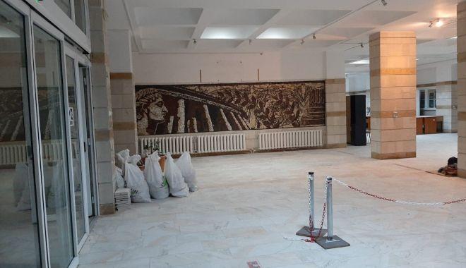 """Rezultat spectaculos. Mozaic veneţian de şapte metri la Universitatea """"Ovidius"""" - fondprintmozaic3-1607439972.jpg"""