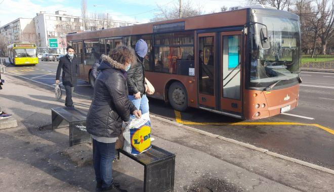 Dispar refugiile din stațiile de autobuz. Călătorii, lăsați în ploaie? - fondprintrefugiistatiiautobuz6-1611687884.jpg