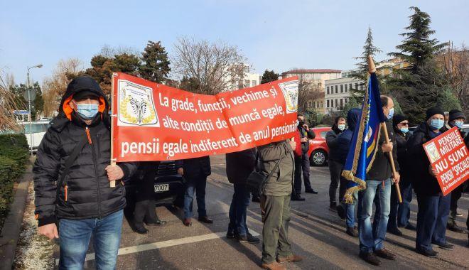 """Protest al polițiștilor, grefierilor și pensionarilor, la Constanța. """"Suntem umiliți!"""" - fondprotestpolitistigrefieri2-1611156441.jpg"""
