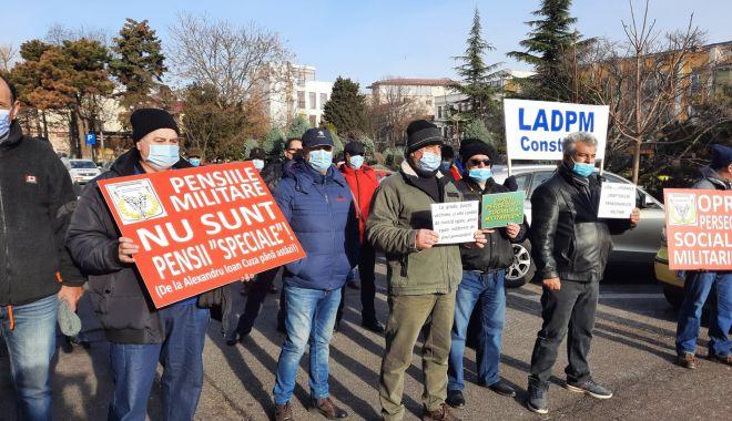 """Protest al polițiștilor, grefierilor și pensionarilor, la Constanța. """"Suntem umiliți!"""" - fondprotestpolitistigrefieri3-1611156451.jpg"""