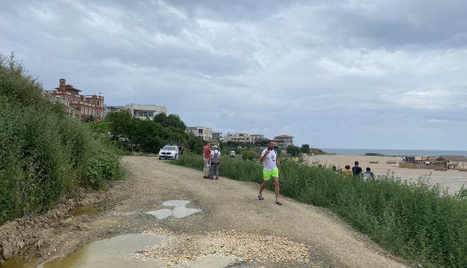 """Revoltă în Faleză Nord. """"Ne-au închis drumul de acces spre plajă, suntem sabotați!"""" - fondrevoltaplata6-1625509375.jpg"""