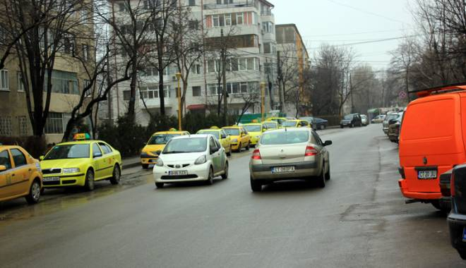 Noi străzi cu sens unic şi semafoare în Constanţa! Unde şi când vor fi amenajate - fondschimbarimajore5-1424797911.jpg