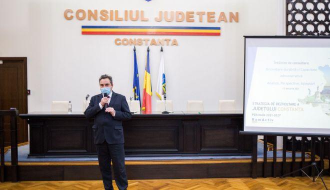 Consilierii judeţeni, reuniţi în şedinţă. Ce proiecte de interes au fost votate - fondsedintaaacjc-1627490886.jpg