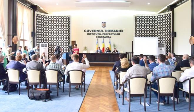 Foto: Consilierii locali, convocaţi la şedinţă. Aleşii vor stabili preţul gigacaloriei