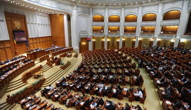 Foto: Ședință solemnă a Parlamentului dedicată Centenarului Marii Uniri. Iohannis, apel către clasa politică