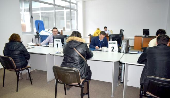 """Foto: Spaţii noi şi probleme vechi la Serviciul de Permise şi Înmatriculări Constanţa. """"Programările se pot face și online"""""""