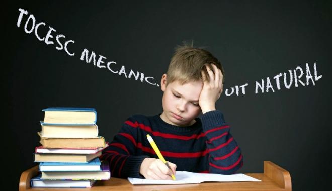 Foto: Şoc pentru elevii de gimnaziu! Urmează o nouă generaţie de cobai: şi-n bănci şi la catedră
