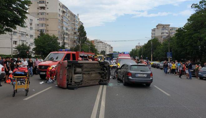 """Foto: """"Fantasmele"""" din Codul Rutier. Reguli care nu există, dar induc șoferii în eroare!"""