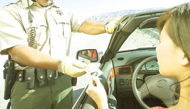 Foto: Şoferii care încalcă regulile în străinătate nu mai scapă de amenzi