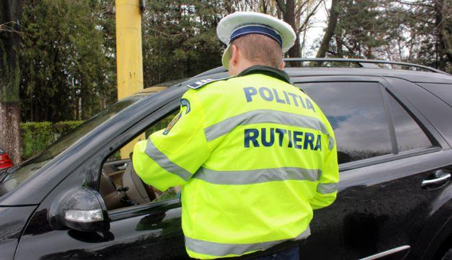 Foto: Poliţiştii au prins un şofer cu permisul SUSPENDAT de 47 de ori