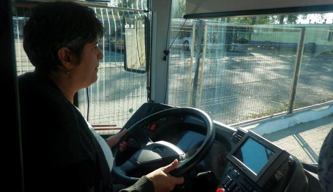 """Stăpânele autobuzelor de la RATC. """"Unii ne trimit la cratiță, alții fac poze cu noi!"""" - fondsoferiteratc2-1570045691.jpg"""