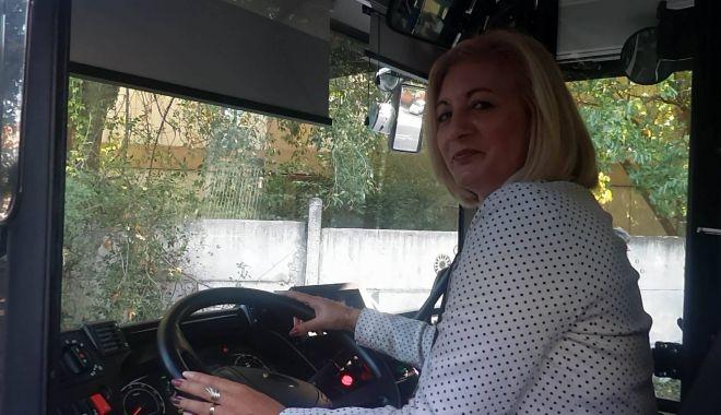 """Stăpânele autobuzelor de la RATC. """"Unii ne trimit la cratiță, alții fac poze cu noi!"""" - fondsoferiteratc6-1570045631.jpg"""