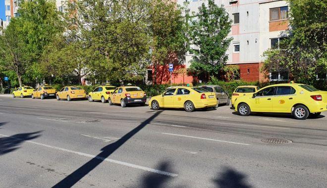 """Apel către administraţie! """"Ne-am săturat să luăm amenzi în stațiile de taxi!"""" - fondstatiitaxi1-1621176062.jpg"""