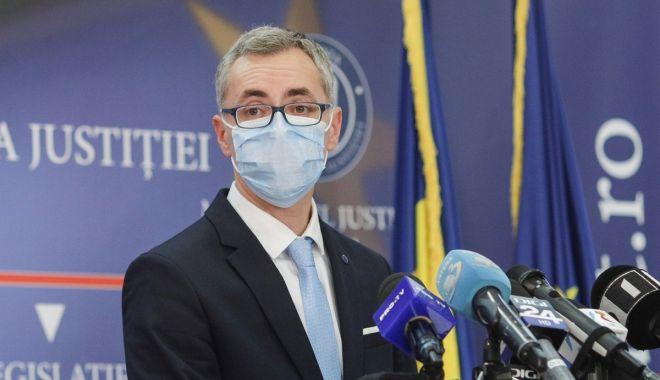 """Ministrul Stelian Ion: """"Justiția are nevoie de o haină nouă. Este utilă adoptarea unor legi noi"""" - fondstelianion-1617040009.jpg"""