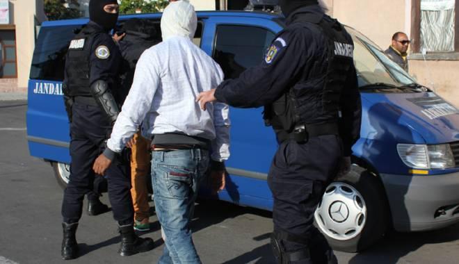Foto: Violen�� f�r� margini! κi t�lh�reau victimele �n plin� strad�