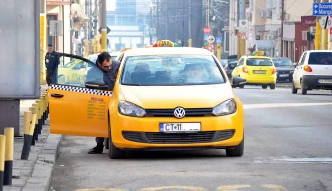 Foto: Taximetriştii din Constanţa, la control! Ce nereguli au găsit poliţiştii