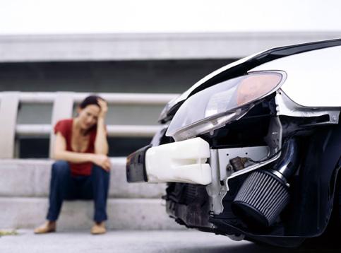 Foto: Te-a lovit o maşină înmatriculată  în altă ţară? Acum începe chinul