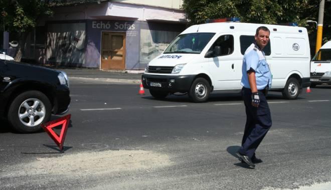 Accidente rutiere profitabile, la Constanţa. Victima se aruncă în faţa maşinii şi apoi cere bani şoferului - fondteatru-1444237660.jpg