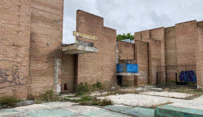 Teatrul de Vară din Mamaia, îngropat! Planurile de reabilitare, abandonate de Consiliul Judeţean Constanţa - fondteatrul-1622656200.jpg