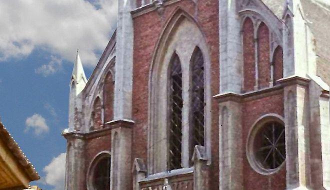 Povestea tristă a Templului Sefard din Constanța, clădirea impozantă din care a rămas doar amintirea! - fondtemplusefarddemolat4-1574804626.jpg