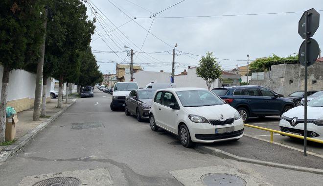 """Trafic de coşmar şi haos al parcărilor în cartierul Tomis II. """"Ne-au învrăjbit între noi!"""" - fondtraficdecosmar1-1624382000.jpg"""
