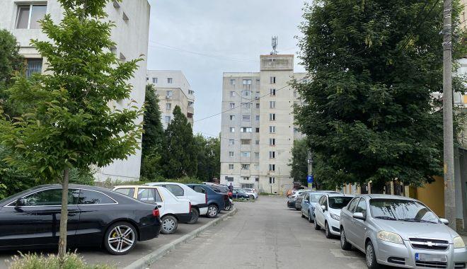 """Trafic de coşmar şi haos al parcărilor în cartierul Tomis II. """"Ne-au învrăjbit între noi!"""" - fondtraficdecosmar6-1624382044.jpg"""