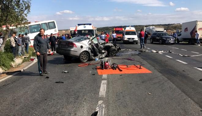 Foto: Tragedie rutieră, la Constanţa: trei morţi şi mai mulţi răniţi