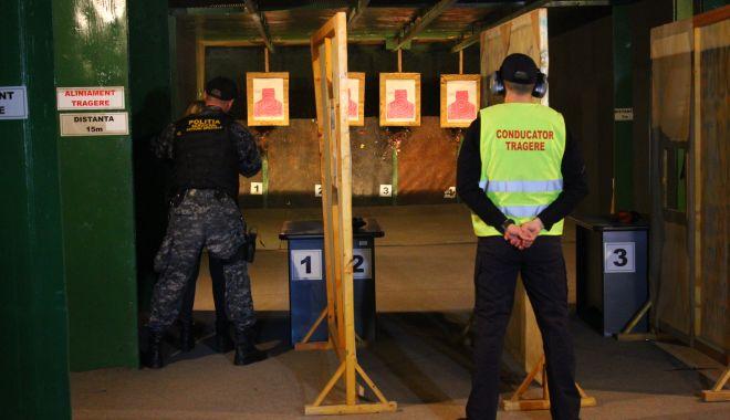 Mai știu polițiștii să țină pistolul în mână? Dar să-l folosească? - fondtrageriprintpregatire1-1616524619.jpg