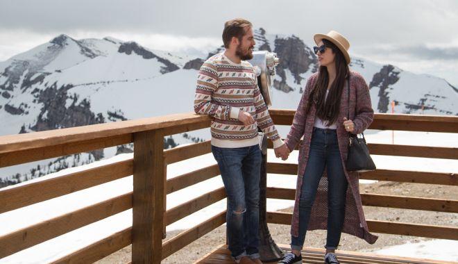 Litoralul, salvat de turiştii români. Vacanţele de iarnă, la munte, în pericol - fondturism-1602782879.jpg