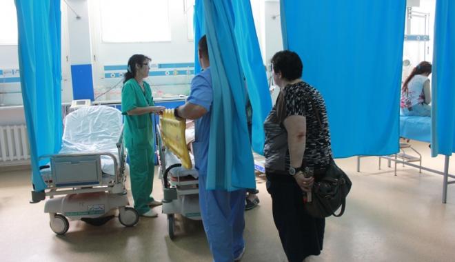 """Foto: Cine salvează vieţile constănţenilor? Medicii de la Urgenţă, sufocaţi: """"Este o muncă solicitantă, suntem jigniţi..."""""""