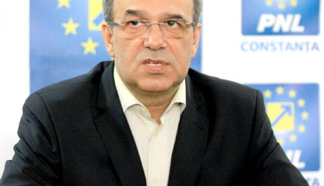 Foto: Senatorul Vergil Chiţac, demisie din PNL. Huţucă dă cu el de pământ, Orban îl face praf!
