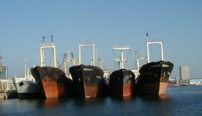 După ce ați prăpădit flota națională, după ce distrugeți Radionav, ARSVOM și ANR, veți desființa și Marea Neagră? - fondvetidesfiintasimareaneagrafl-1626374971.jpg