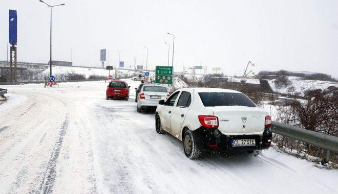 Foto: Constanţa izolată! Nu se circulă pe Autostrada Soarelui, nici pe alte drumuri naţionale şi judeţene