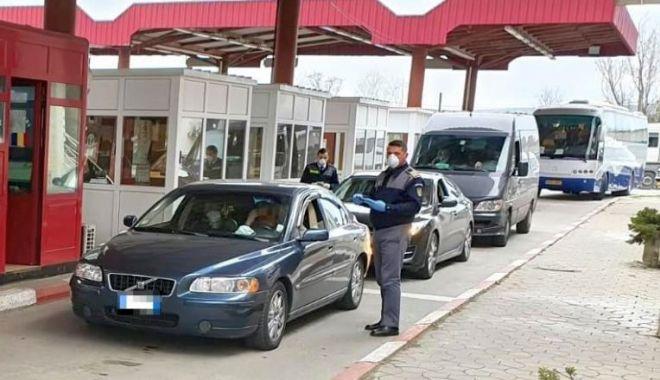 Foto: Formalități la graniță, pe durata stării de alertă