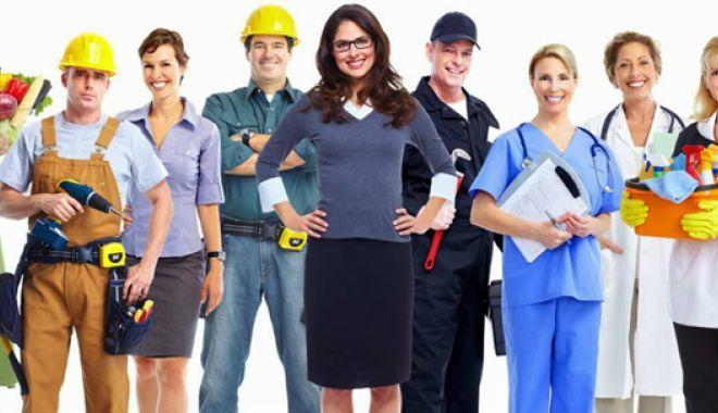 Foto: Cum se face  medierea angajării forţei de muncă  peste hotare