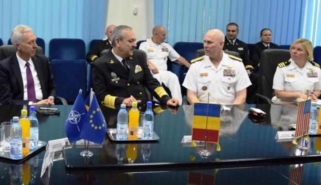 Foto: Forţele Navale Române  şi Americane, discuţii  despre securitatea Mării Negre