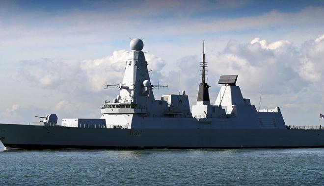 Foto: Forţele Navale Române şi ale Marii Britanii, exerciţii comune în Marea Neagră